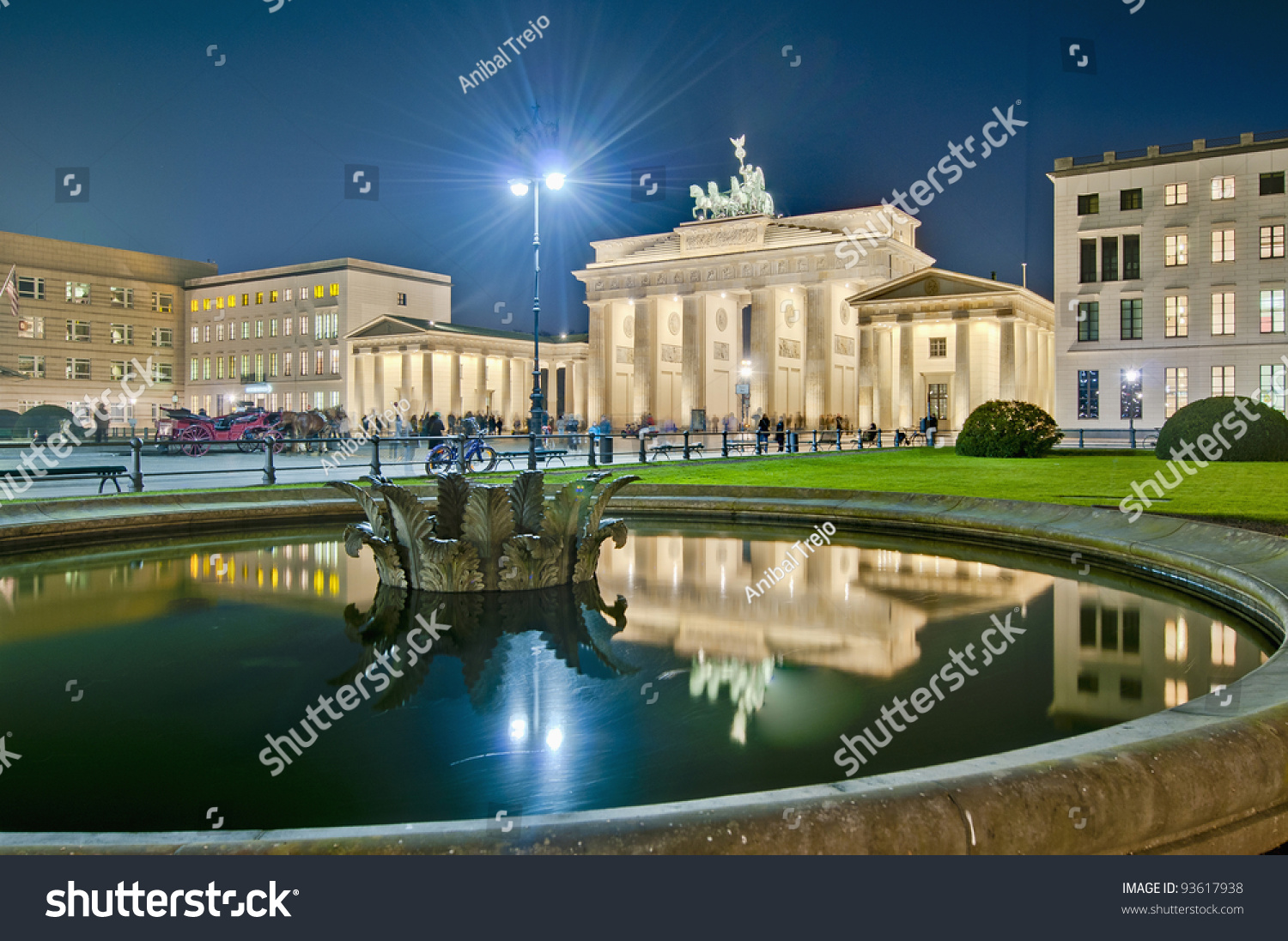 Pariser platz paris square on east stock photo 93617938 for Designhotel brandenburg