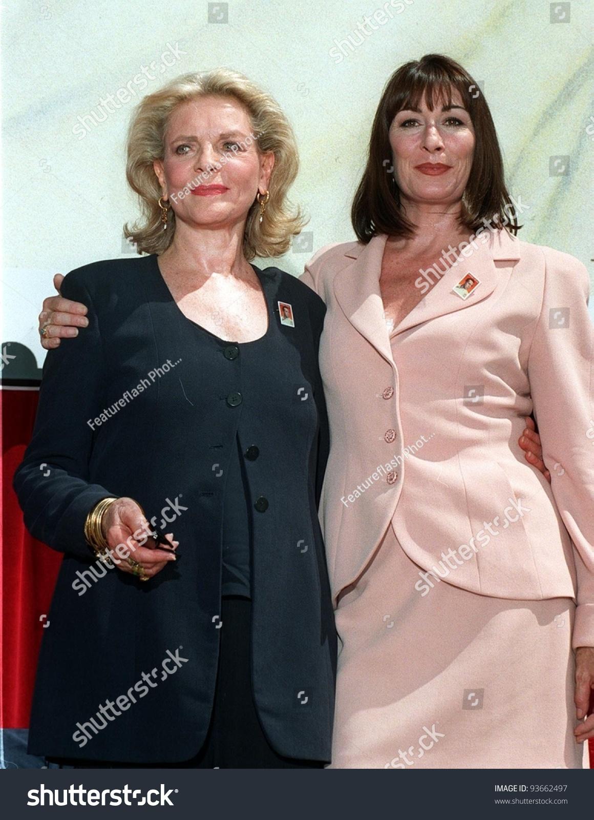 31jul97 actresses lauren bacall left anjelica stock photo 93662497