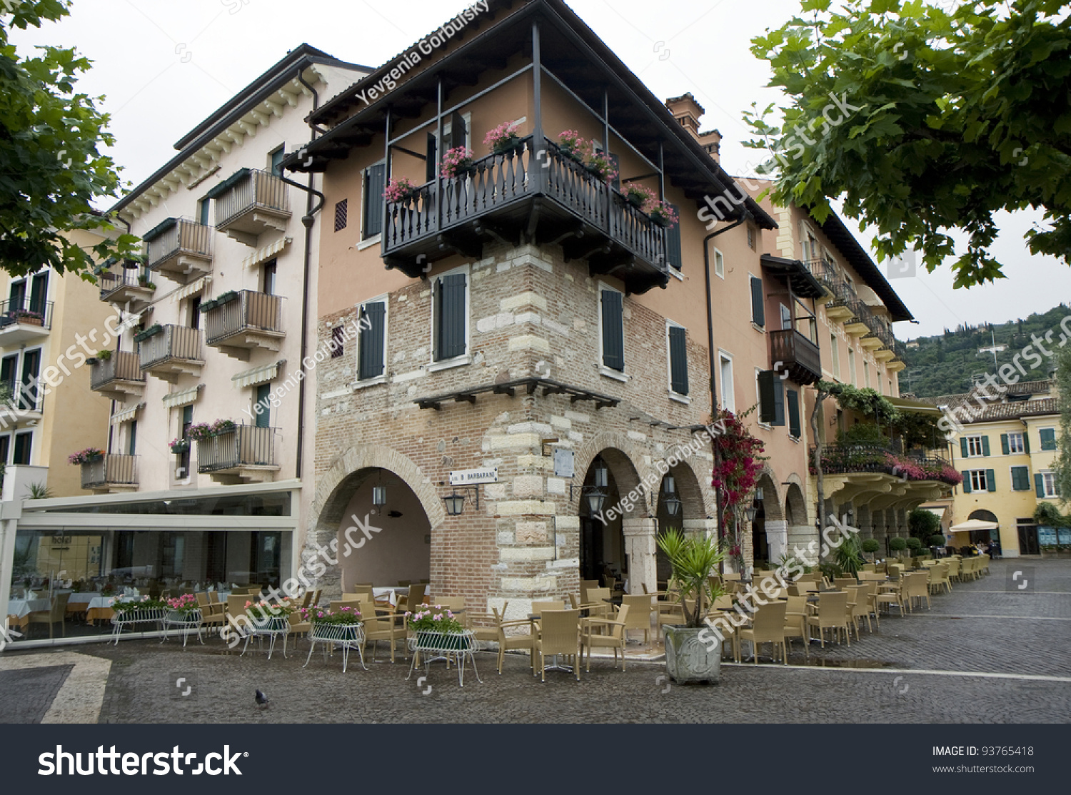 Typical architecture of houses and restaurants in italian for Architecture firms in italy