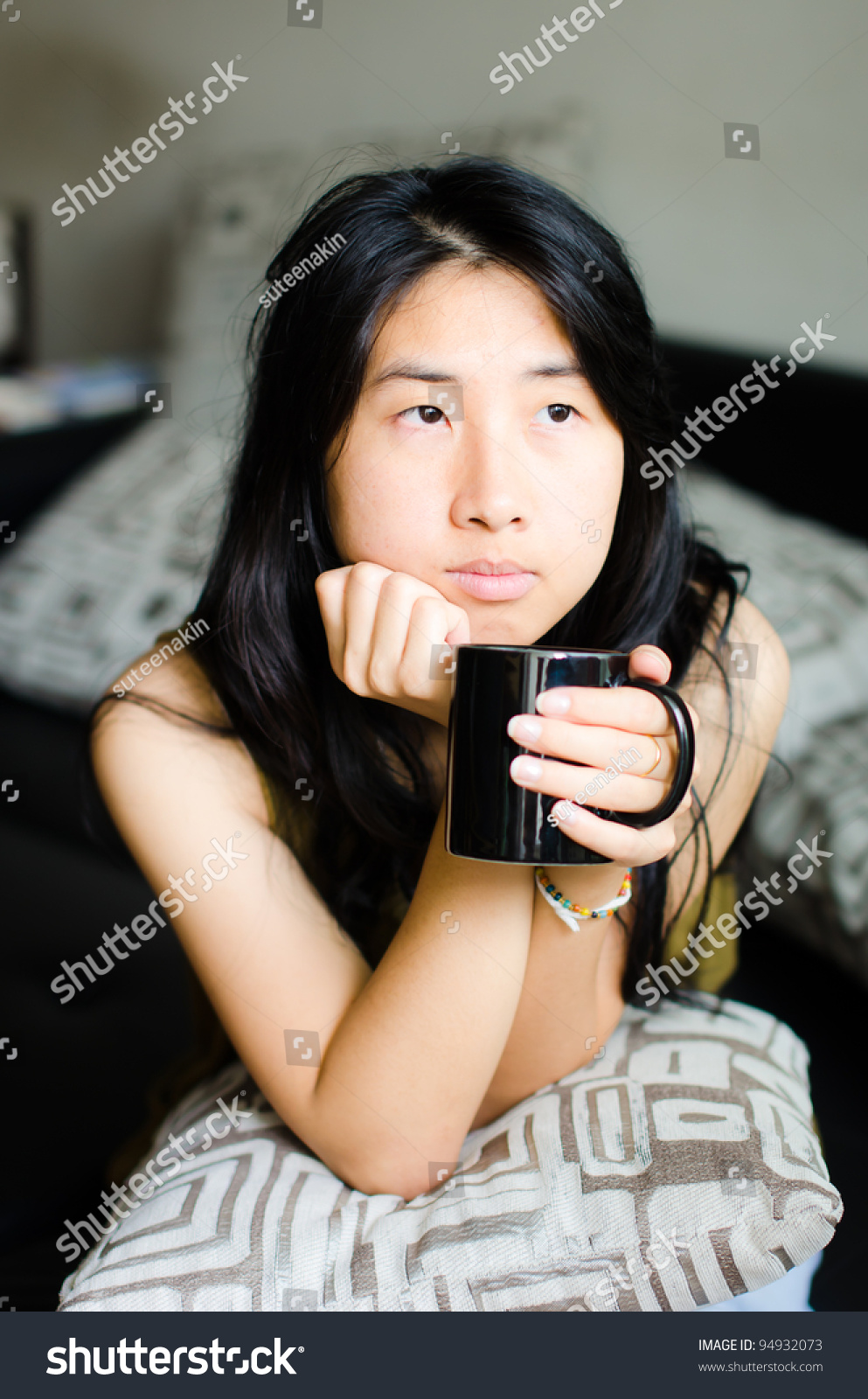 portrait beautiful asian women holdind cup of coffee after