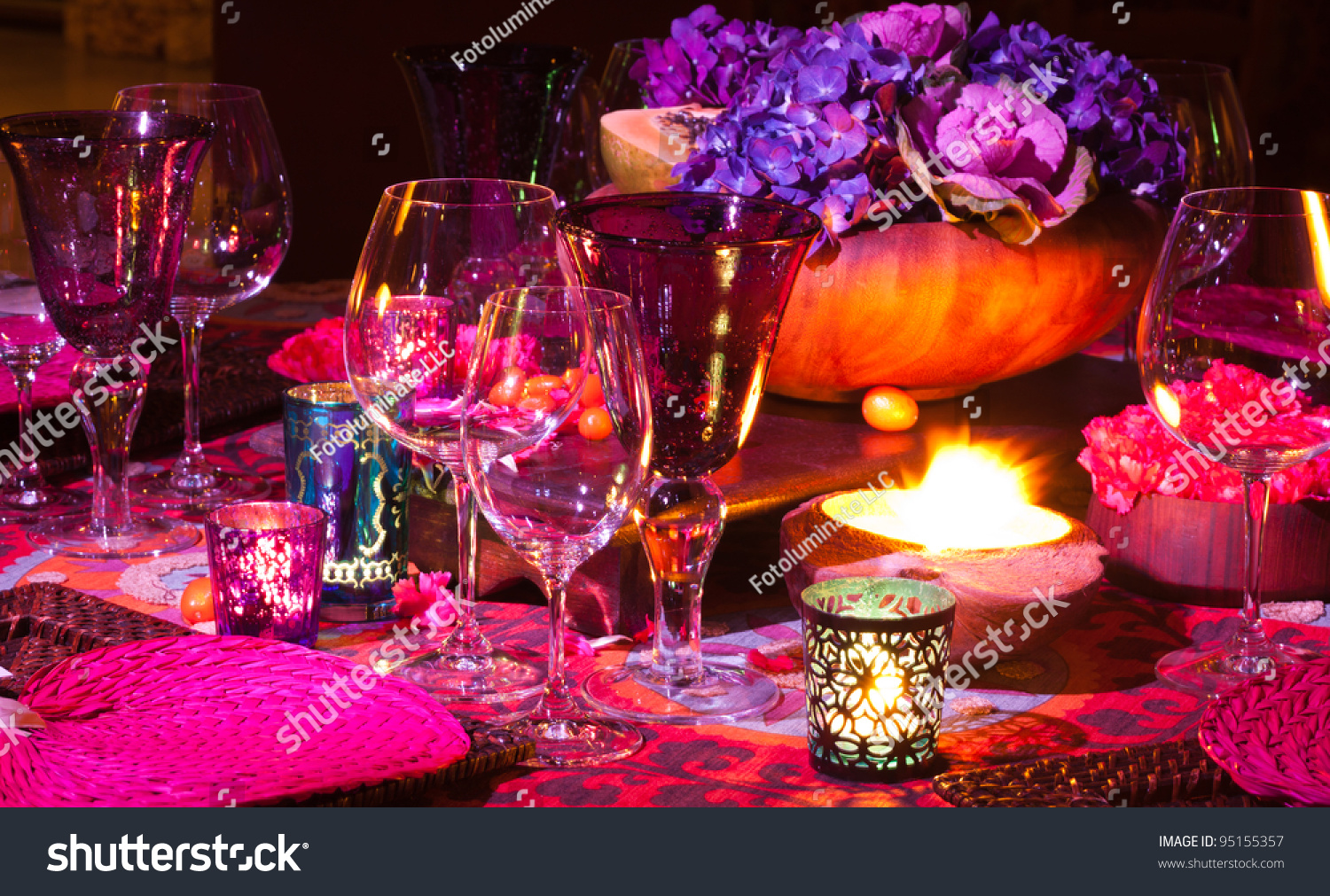 Elegant dinner table setting - Colorful Elegant Dinner Table Setting