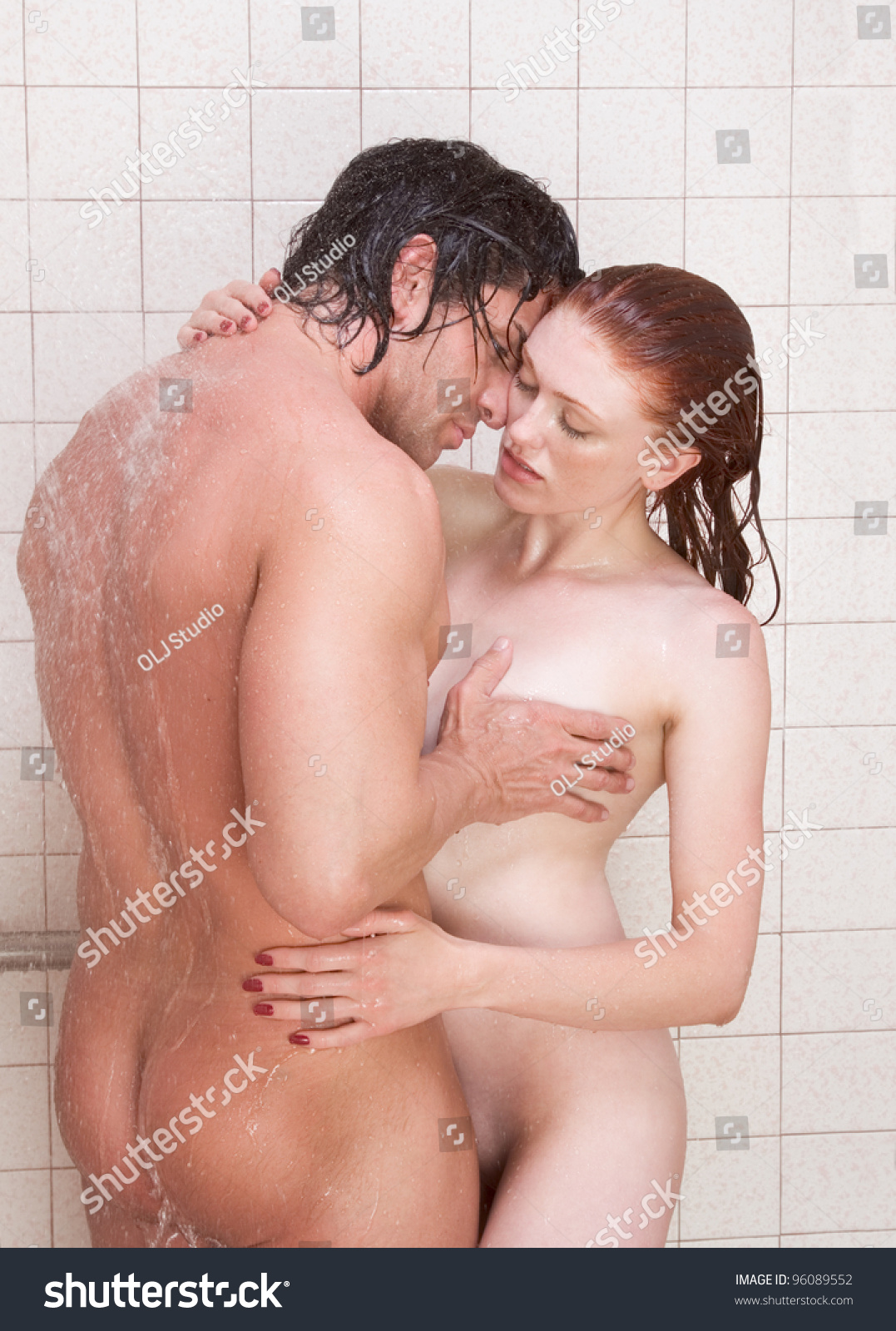 beautiful nude women in public