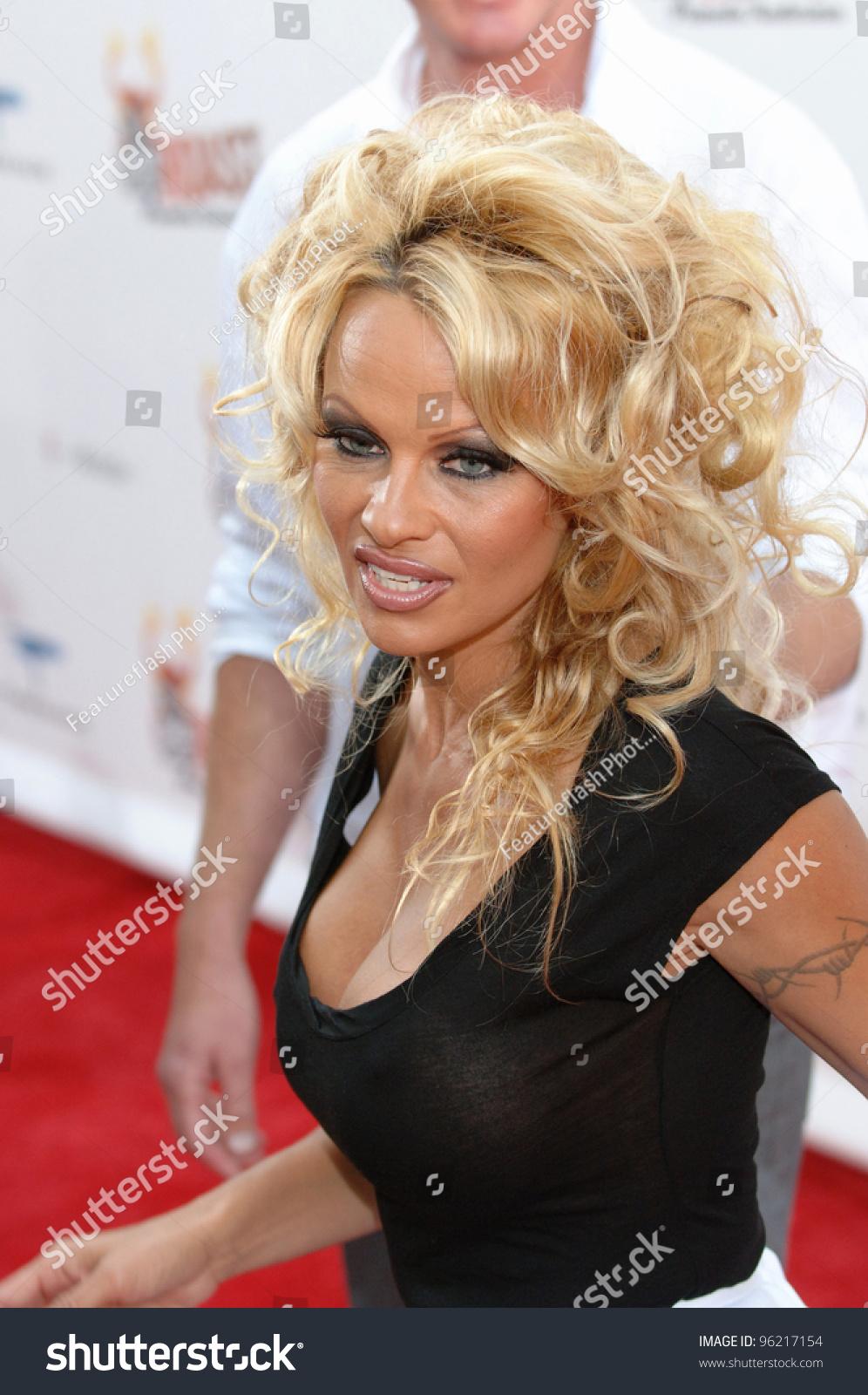 Celebrity Roast: Pamela Anderson - Eric Leech .com