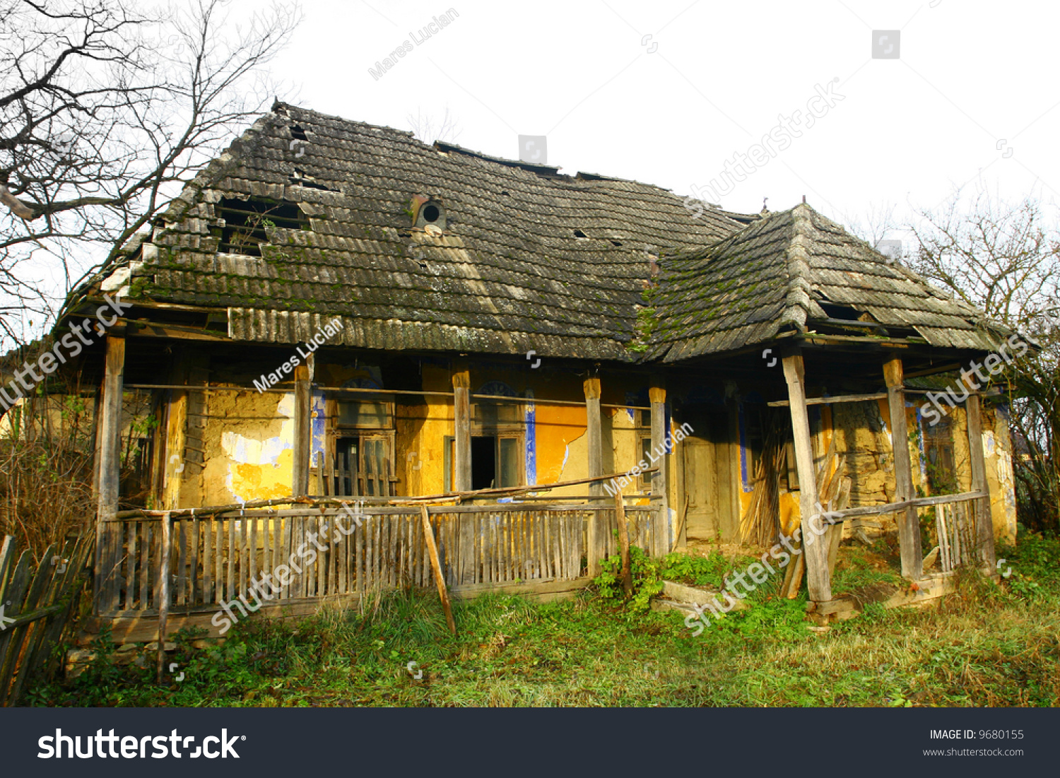 Old Country House Stock Photo 9680155 Shutterstock