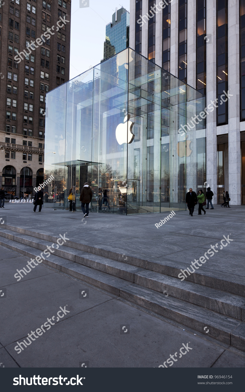 Jan 9: Apple Flagship Store Glass Cube On