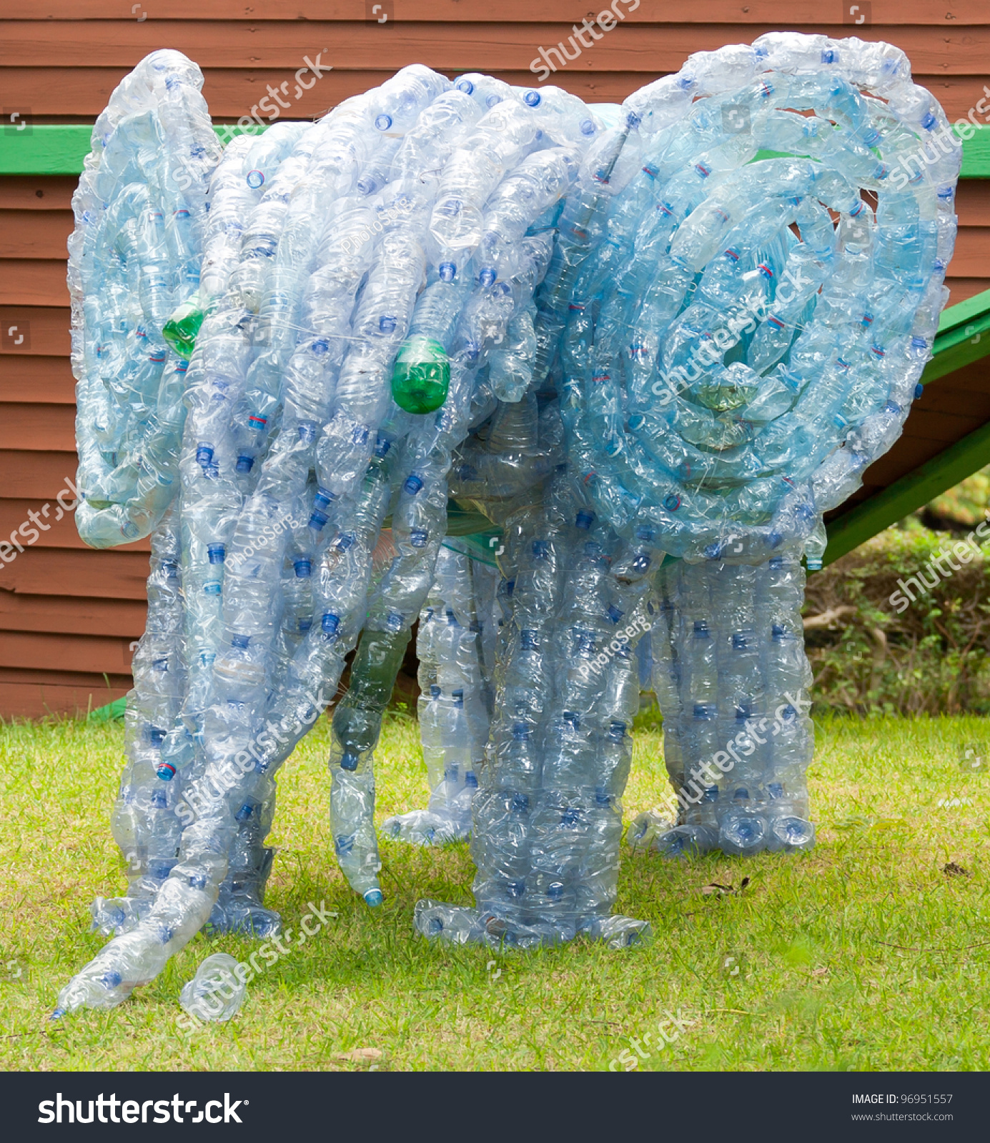 Elephant made from plastic bottles concept of how to make for Things that can be made out of plastic bottles