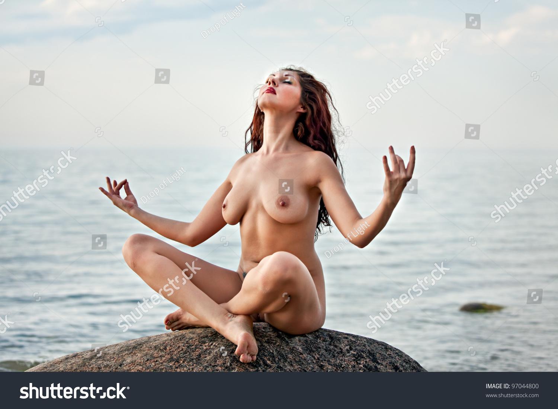 nude sexy babes vietnam