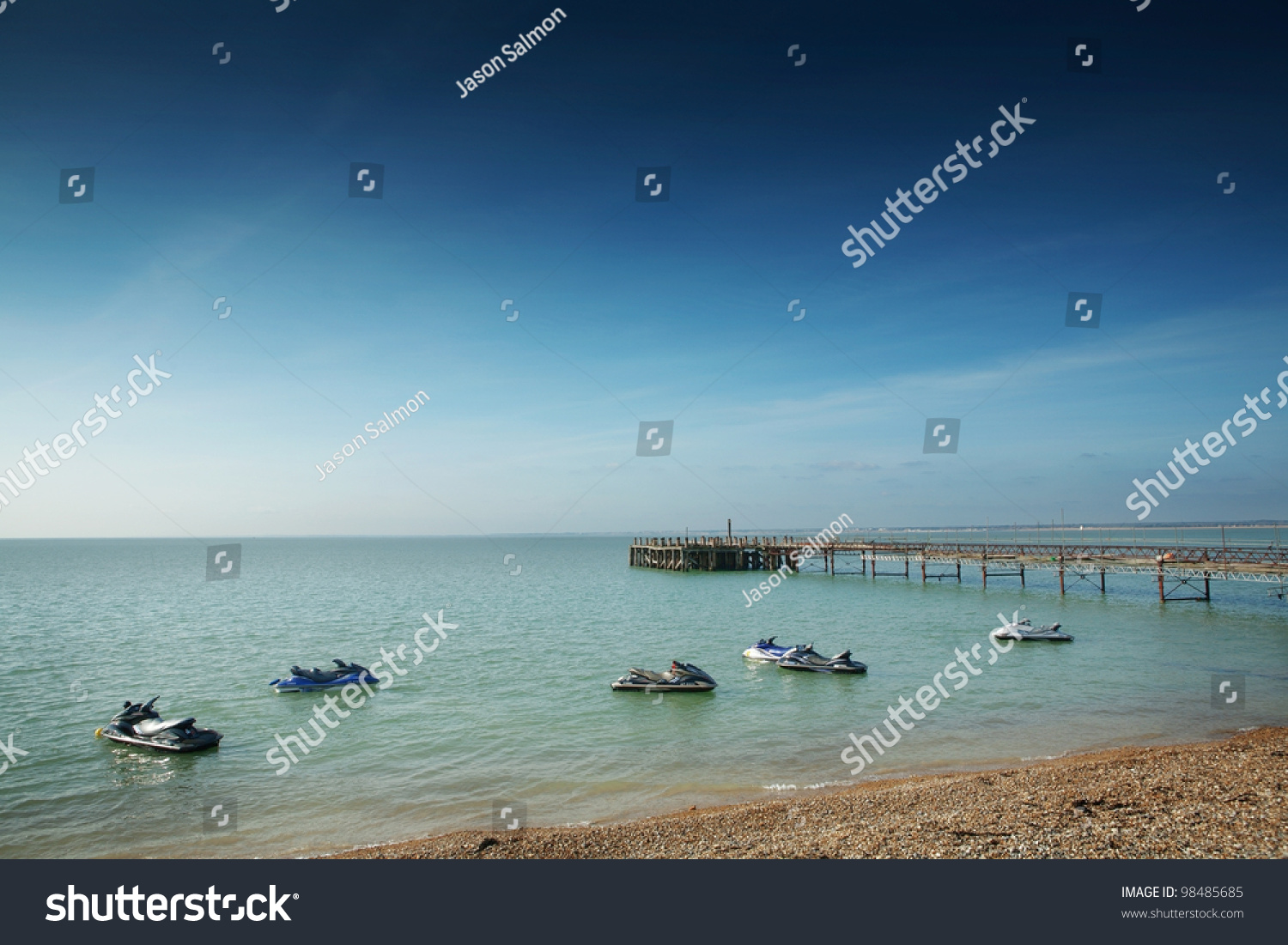middle eastern single men in isle of wight The isle of wight is a boundaries the isle of wight forms a single st helens is a village and civil parish located on the eastern side of the isle of wight.