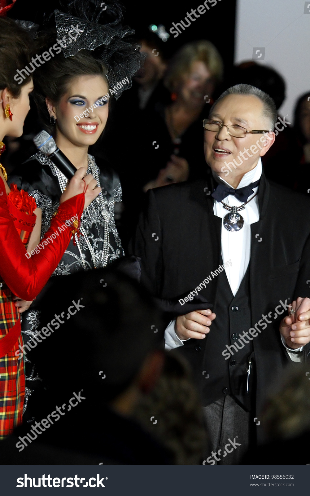Singer Slava at the People Fashion Awards made a scandal 06/22/2011 26