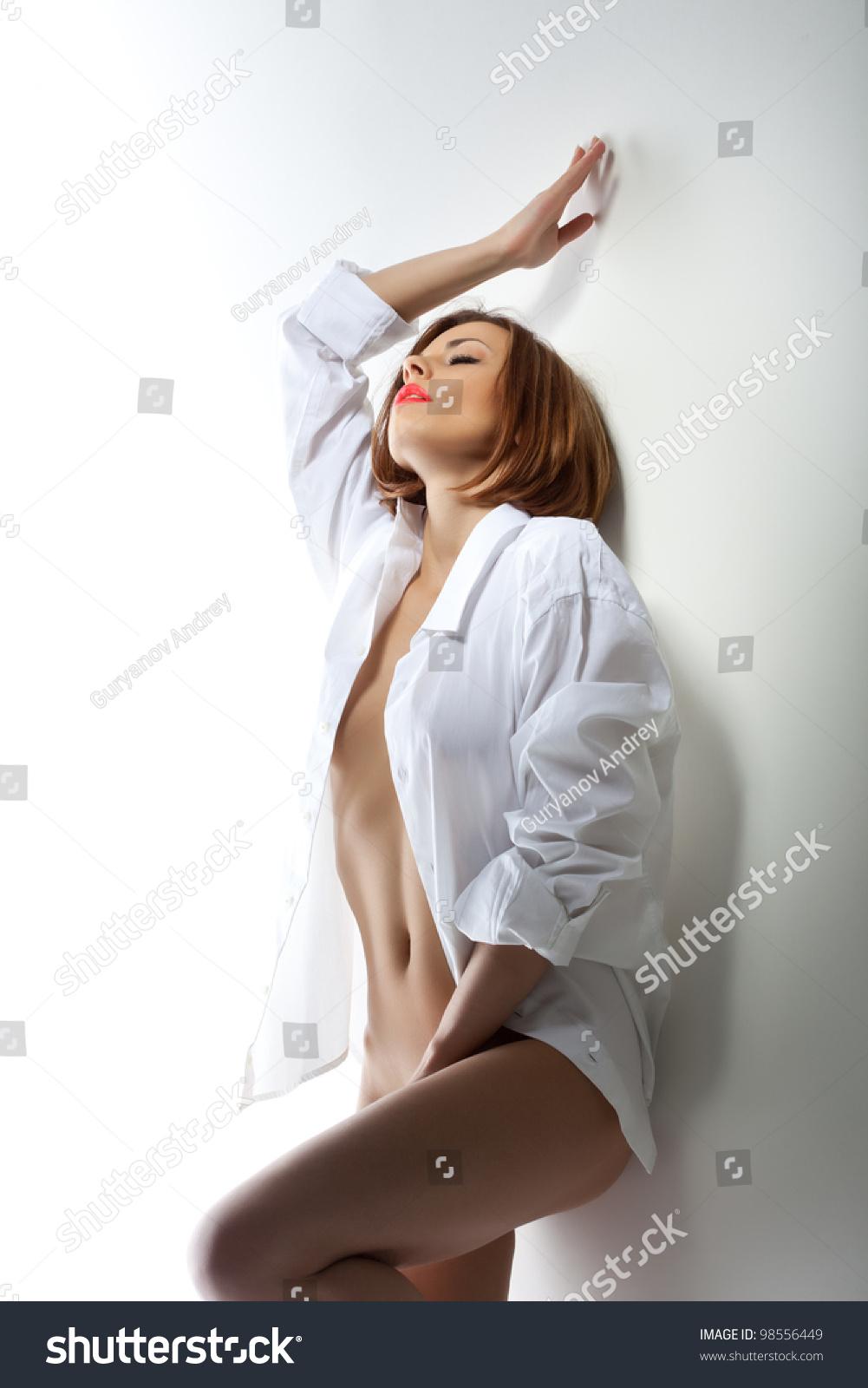 Сексуальная фотосессия в белой рубашке 1 фотография