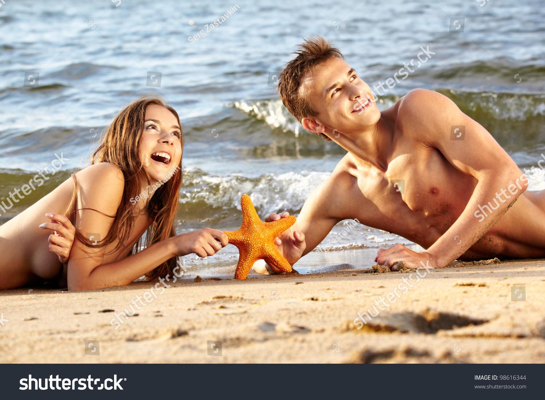 Рассказы секс втроём на пляже, Свингеры рассказы -историй. Читать порно онлайн 17 фотография