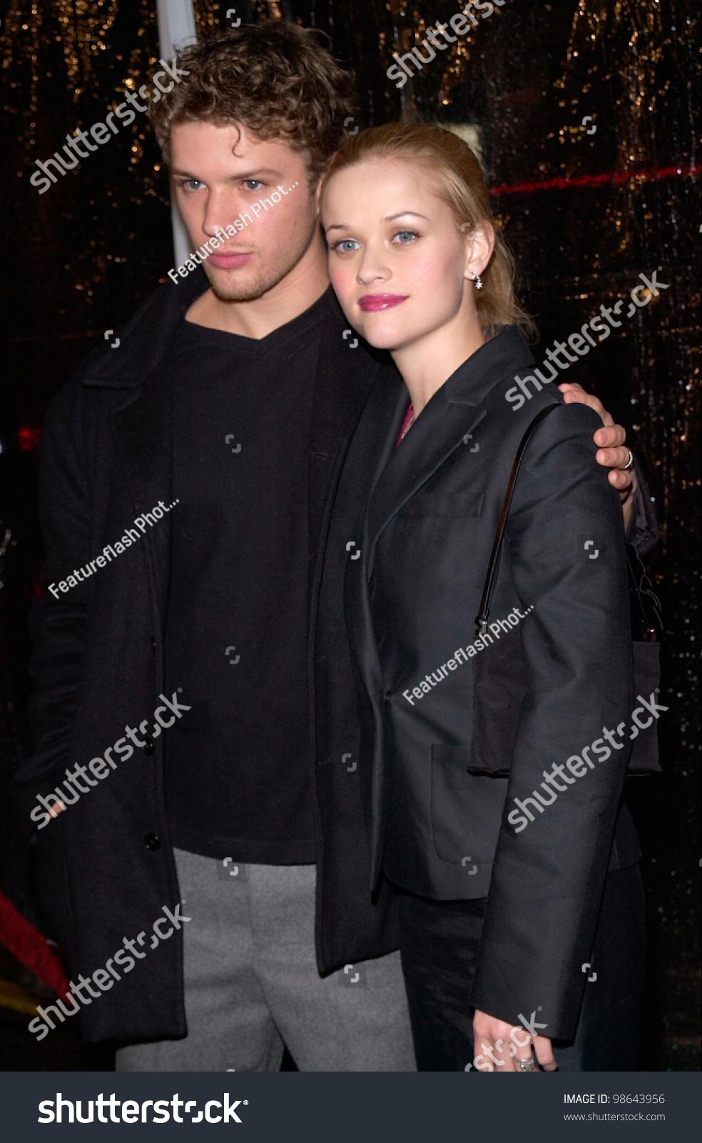 Actor Ryan Phillippe &... Ryan Phillippe Wife