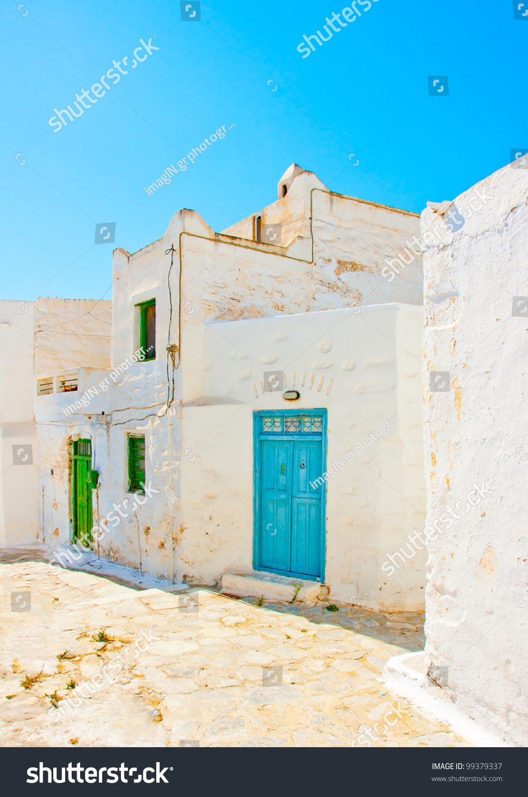 Old beautiful traditional house in chora the capital of amorgos island - Beautiful Stone Made Road With Old Traditional Houses In Chora The Capital Of Amorgos Island In