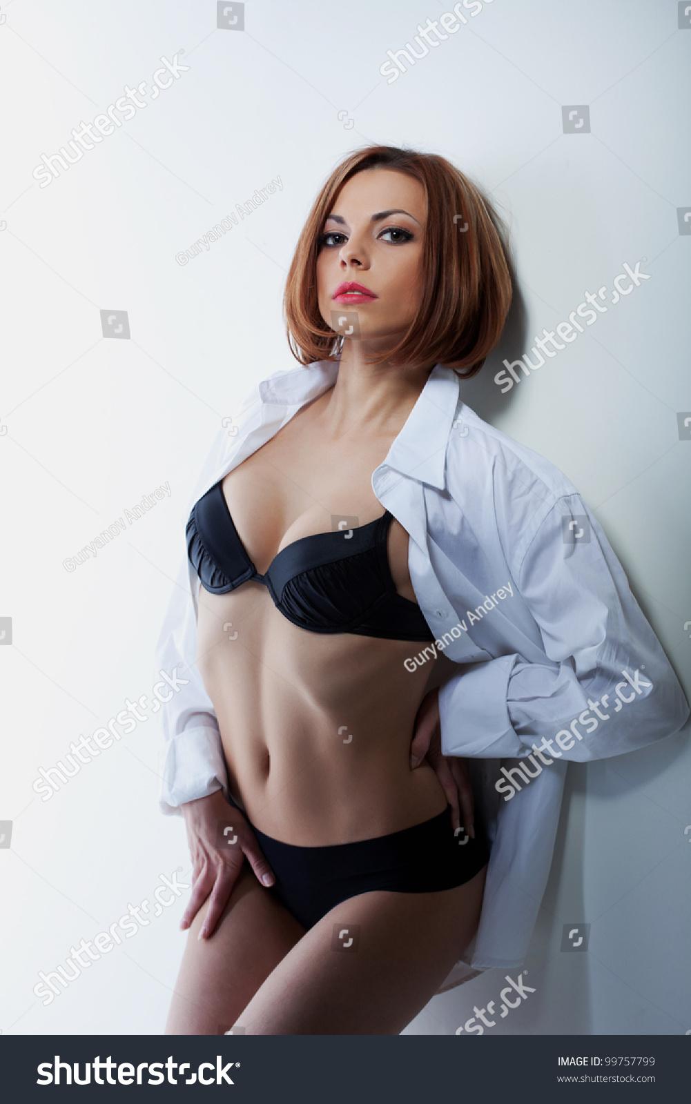 У девушки расстегнулась блузка 17 фотография
